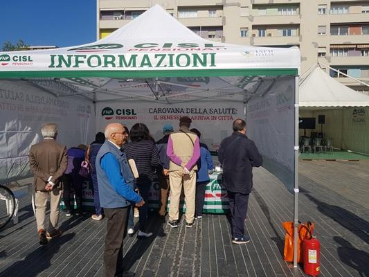 Più di 700 controlli medici si sono svolti sabato 12 ottobre in piazza Salotto a Pescara.