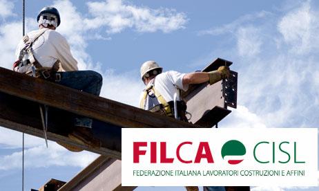 I° maggio: presidio Filca- Cisl in piazza Duomo   contro irregolarità nella ricostruzione post-sisma